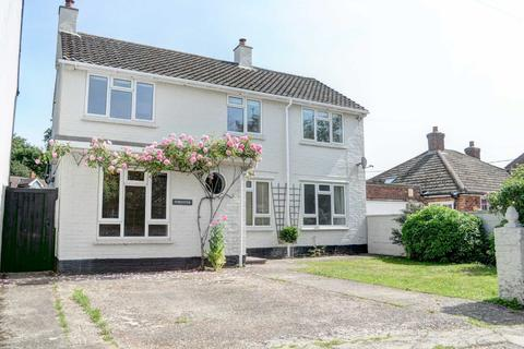 4 bedroom link detached house to rent - Lower Church Street, High Wycombe