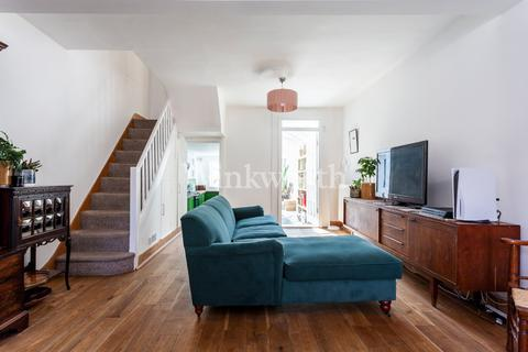 2 bedroom terraced house for sale - Nelson Road, London, N15