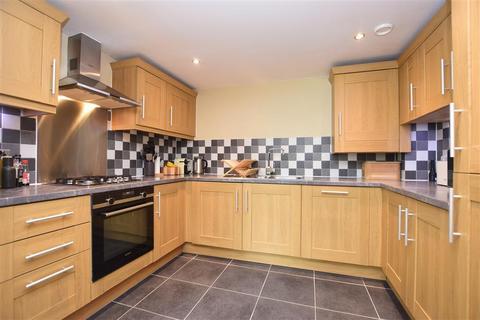 2 bedroom apartment for sale - Old School Close, Redhill, Surrey