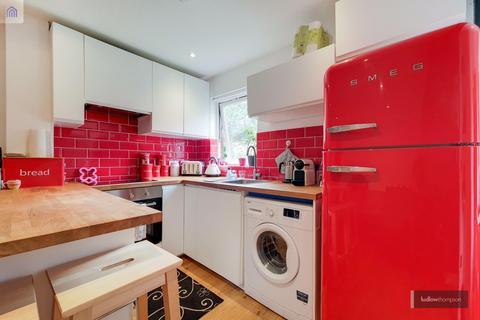 1 bedroom flat to rent - Frederick Road, London SE17