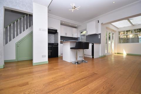 3 bedroom semi-detached house to rent - Nuxley Road Belvedere DA17