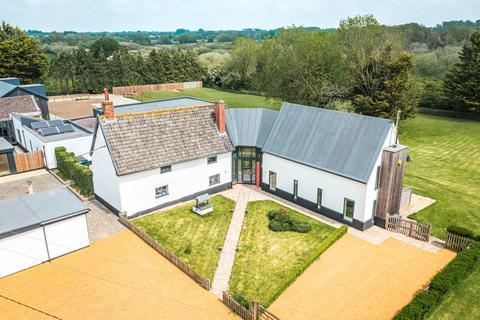 6 bedroom farm house for sale - Larling