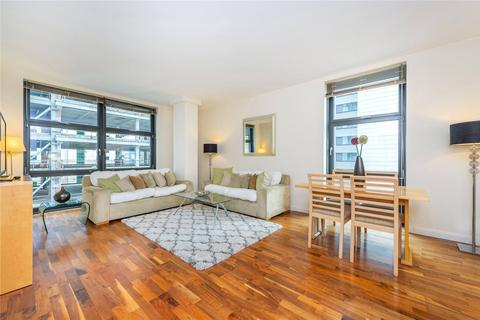 1 bedroom flat to rent - Discovery Dock Apartments West, 2 South Quay Square, London