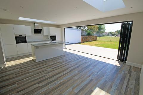 4 bedroom semi-detached house for sale - Park Road, Shoreham-by-Sea