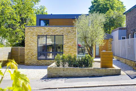 4 bedroom detached house for sale - Coppetts Road, Muswell Hill N10