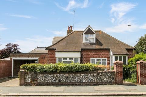 4 bedroom chalet for sale - Salisbury Road, Worthing BN11 1RD