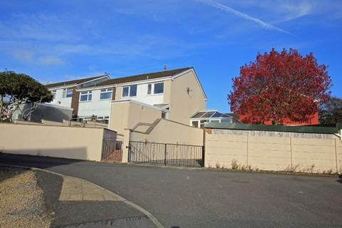 3 bedroom terraced house to rent - Sycamore Way, Carmarthen