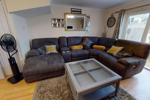 3 bedroom house for sale - Seagull Close, Barking