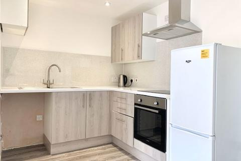 Studio to rent - Rayleigh Road, Palmers Green, London N13