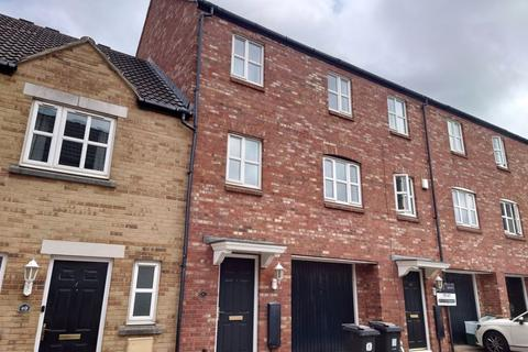 4 bedroom terraced house to rent - Star Avenue, Bristol