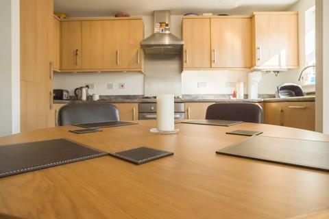 2 bedroom apartment for sale - Cul-De-Sac Location on Verde Close, Peterborough
