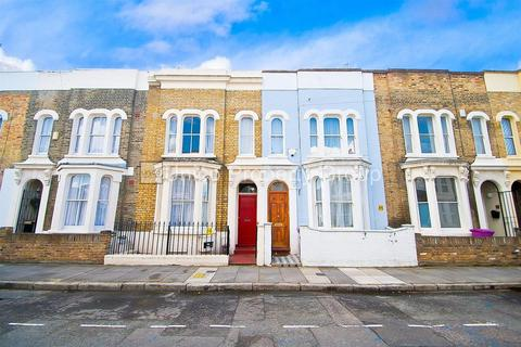 4 bedroom terraced house to rent - Lyal Road, London