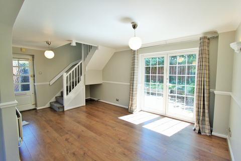 2 bedroom semi-detached house to rent - Mitchell Close, Cippenham, Slough