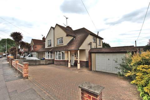 3 bedroom semi-detached house for sale - Chalkwell Road, Sittingbourne