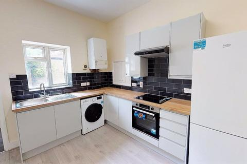 1 bedroom flat to rent - Wavertree Road, South Woodford E18