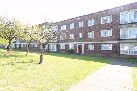 1 bedroom flat for sale - Longbridge Road, Barking, Essex, IG11