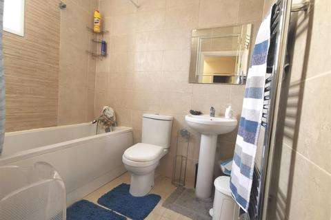 6 bedroom house for sale - Brooms Road, Luton