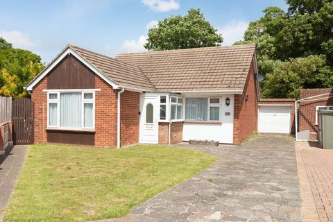 2 bedroom detached bungalow for sale - Wayne Close, Broadstairs