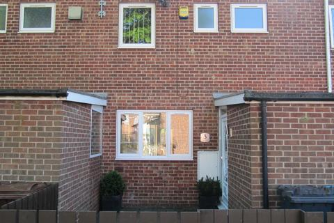 3 bedroom house to rent - Wadhurst Close, Bransholme, Hull