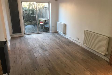 2 bedroom flat to rent - Stonard Road, London, N13