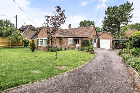 3 bedroom detached bungalow for sale - Shoreham Road, Small Dole, Henfield
