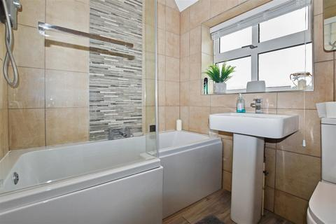 3 bedroom terraced house for sale - 1st Avenue, Hull