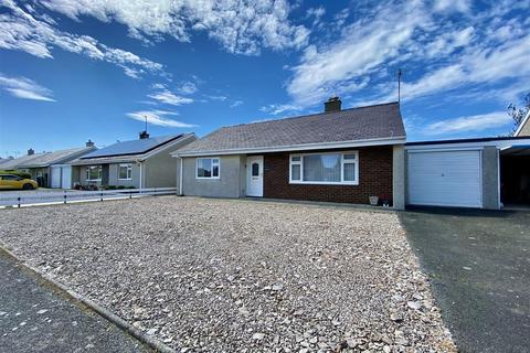 2 bedroom semi-detached bungalow to rent - Lon Ceredigion, Pwllheli