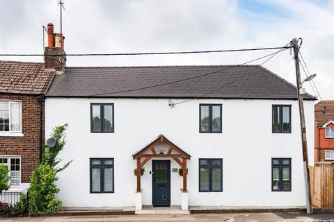 3 bedroom semi-detached house for sale - Cuckfield Road, Hurstpierpoint
