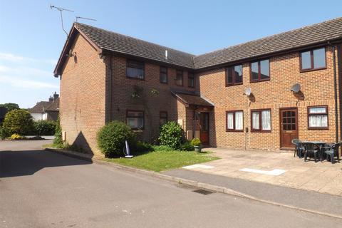 1 bedroom apartment to rent - Harris Court, Liphook, GU30