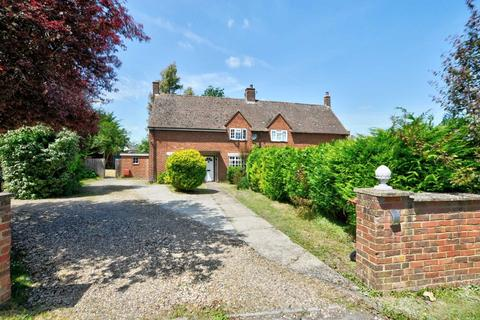 3 bedroom semi-detached house for sale - Icknield Close, Kingston Blount