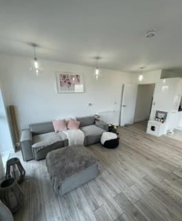 3 bedroom flat for sale - Cortland House, Apple Yard, London, SE20