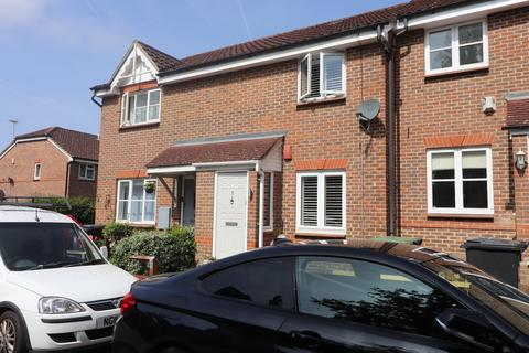 2 bedroom semi-detached house to rent - Bryony Close, Loughton, Essex IG10