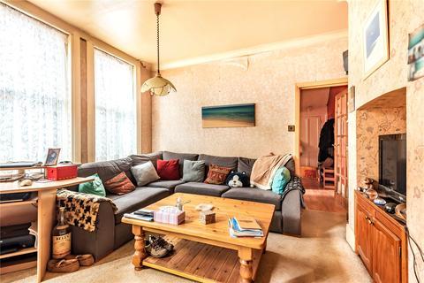 2 bedroom flat for sale - Lyndhurst Road, Wood Green, London, N22
