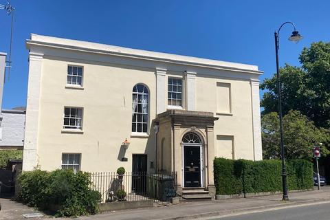 Studio to rent - Montpellier Grove, The Suffolks, Cheltenham