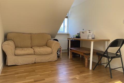 2 bedroom flat to rent - Milton Road, Cambridge, Cambridgeshire, CB4
