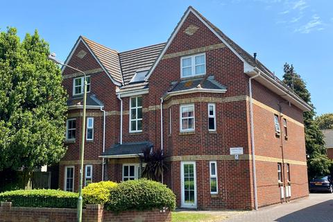 2 bedroom apartment for sale - Flat 4 22-24, Crabton Close Road, Bournemouth, BH5