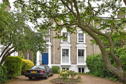 2 bedroom flat for sale - Vanbrugh Terrace, Blackheath, London, SE3
