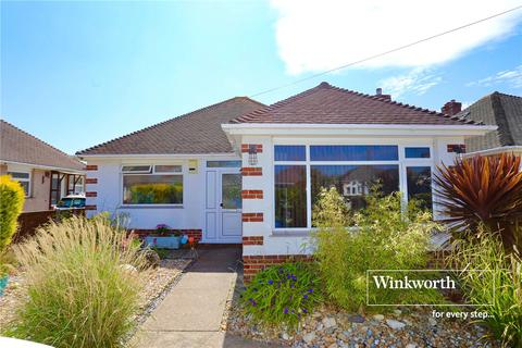 3 bedroom bungalow for sale - Braemar Avenue, Bournemouth, BH6