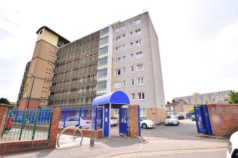 2 bedroom flat for sale - Florence Road, London