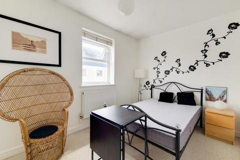 2 bedroom flat to rent - Greenwich, London, SE10