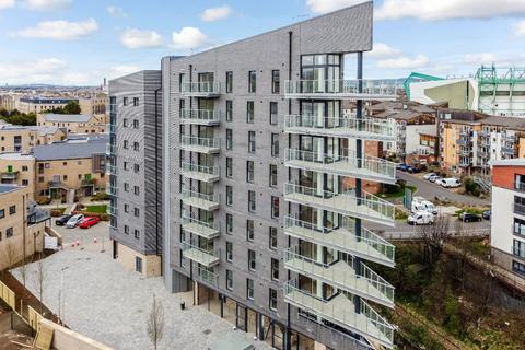 2 bedroom flat to rent - Lawrie Reilly Place, Edinburgh, EH7