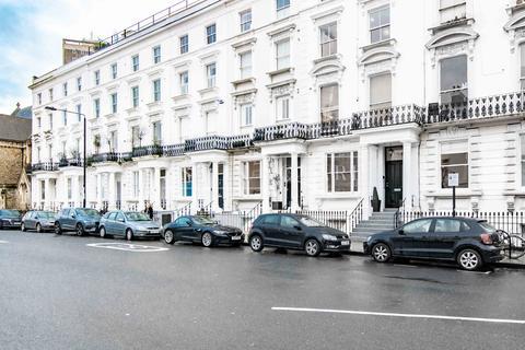 Studio to rent - Kensington Park Road, Notting Hill, London W11