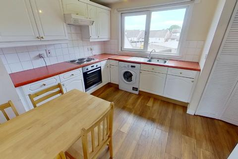 3 bedroom flat to rent - Belrorie Circle, Dyce, Aberdeen, AB21