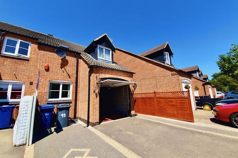 3 bedroom semi-detached house to rent - Horninglow Croft, DE13