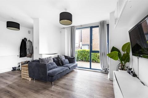 2 bedroom flat for sale - Exeter Road, London