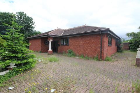 3 bedroom detached house for sale - Chester Road, Oakenholt