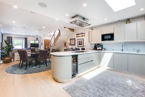 4 bedroom terraced house to rent - Merchant Terrace, Beavor Lane, London