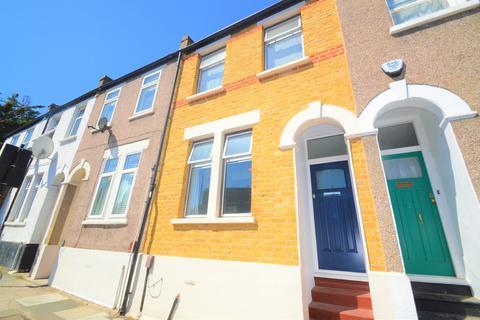 3 bedroom terraced house for sale - Blendon Terrace, London, SE18 7RS