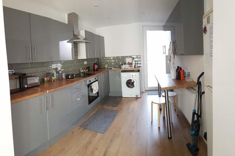 5 bedroom terraced house to rent - Wilford Grove, The Meadows