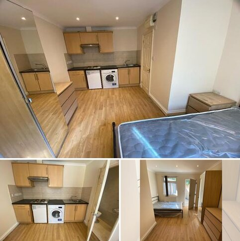 Studio to rent - Abbey Road, Park Royal, London, NW10 7RB
